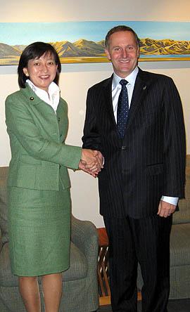 牧山ひろえ・ニュージーランド ジョン・キー首相と意見交換