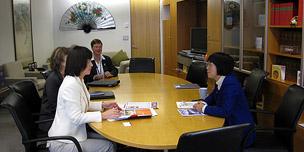 牧山ひろえ・ニュージーランド Pansy Wong女性省大臣と意見交換